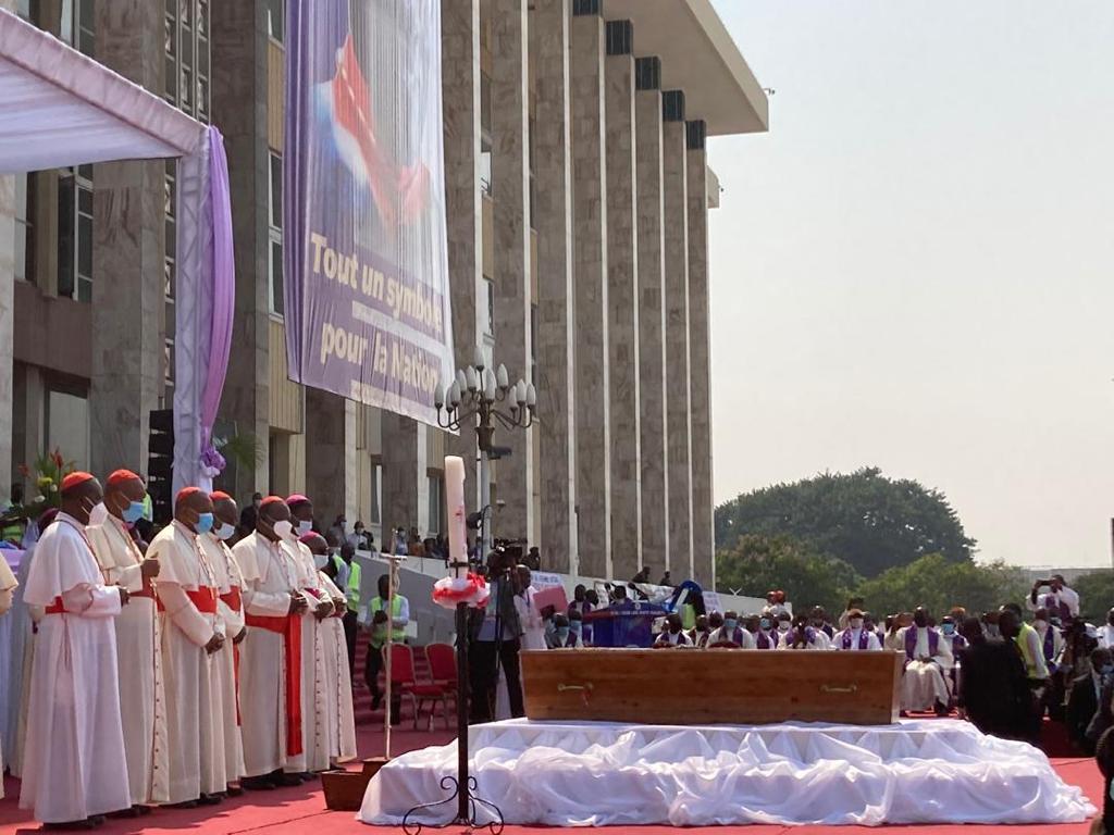 Hommage au palais du peuple RDC